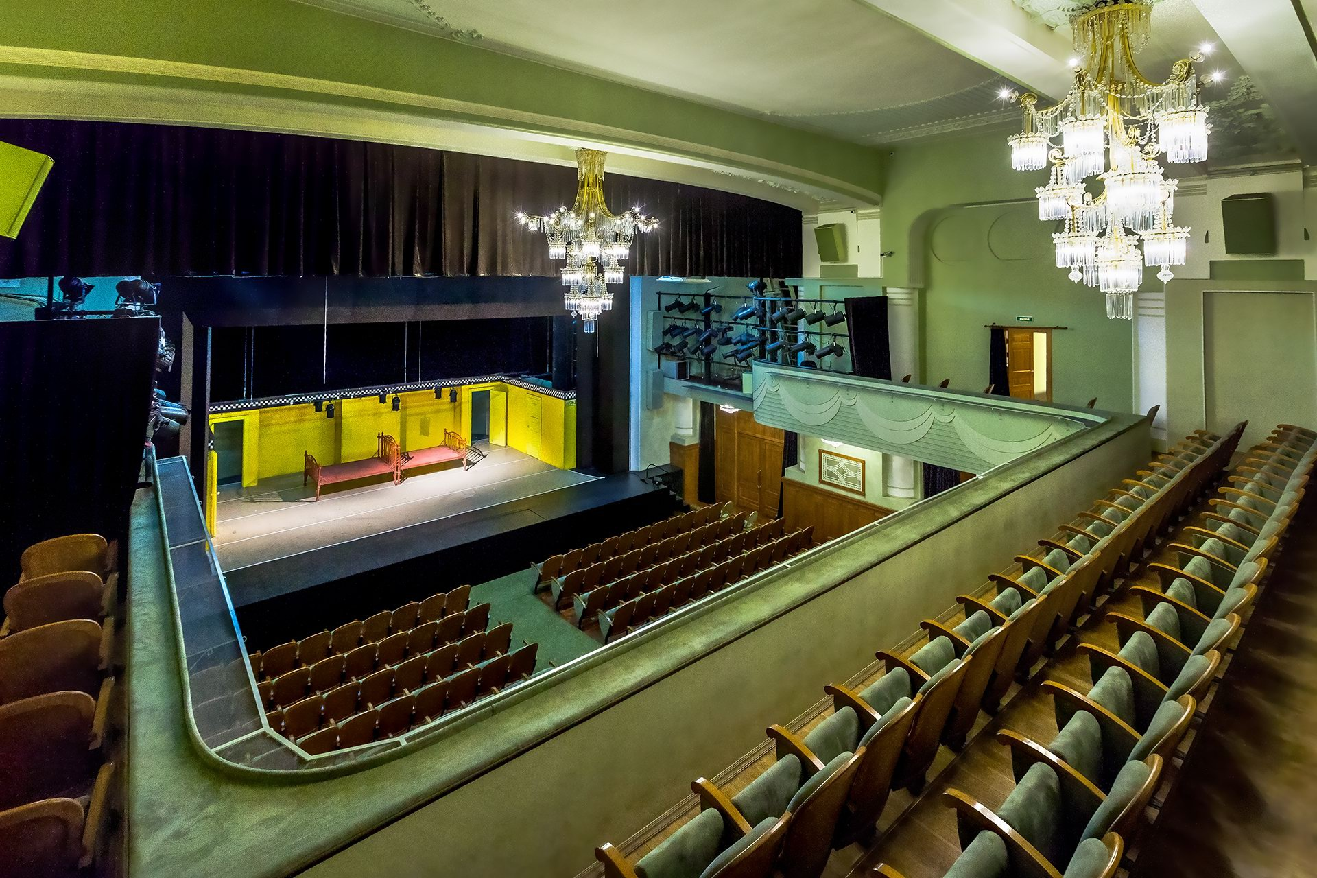 Театр имени акимова схема зала