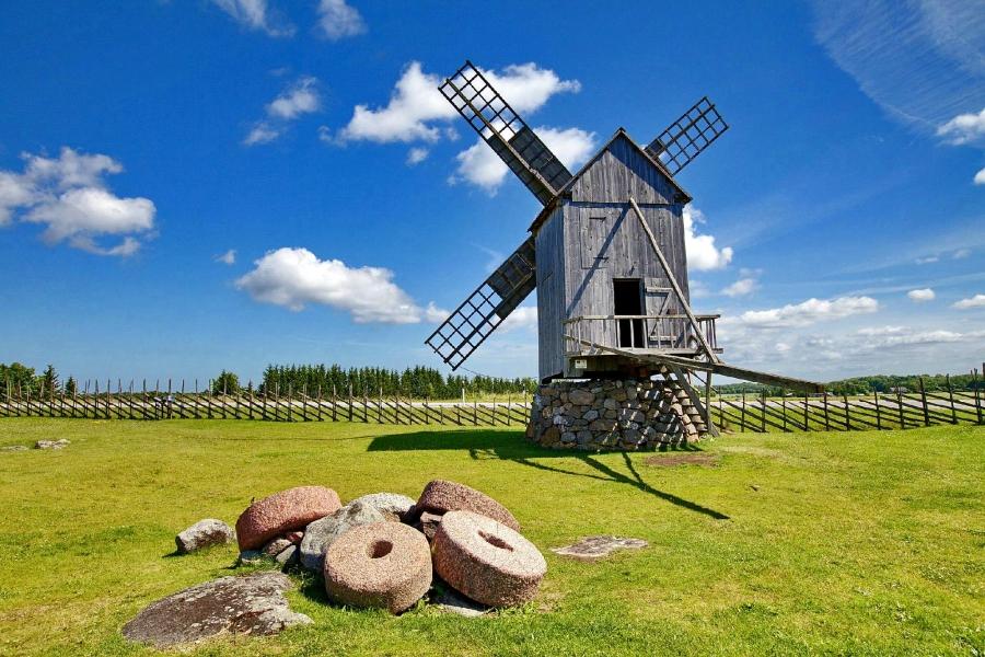 Картинки по запросу Англаские мельницы. Деревня Англа